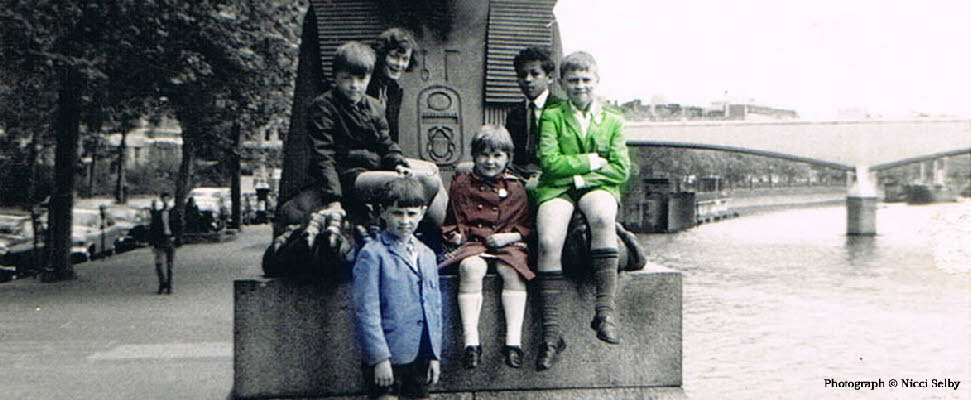 Retro family image - Cleopatras Needle London