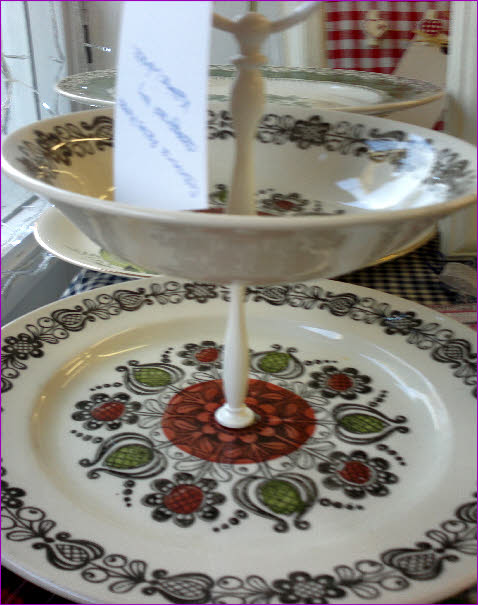 Vintage plates recreated into a two-tier cakestand